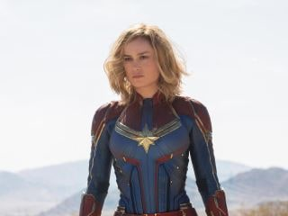 Captain Marvel Photos: First Look at Brie Larson's Captain Marvel Suit, Skrulls, and Young Nick Fury