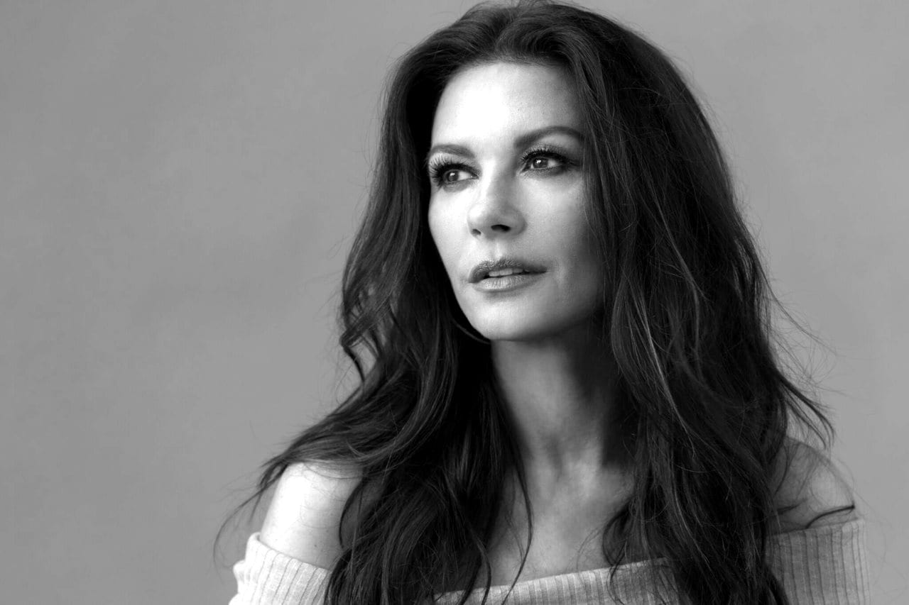 Catherine Zeta-Jones to star in Facebook series 'Queen America'