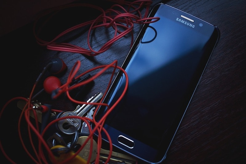 cellphone tangle pixabay audio cables