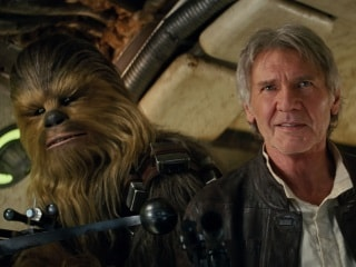 Chewbacca Actor Peter Mayhew Dies at 74, Star Wars Family Pay Tributes