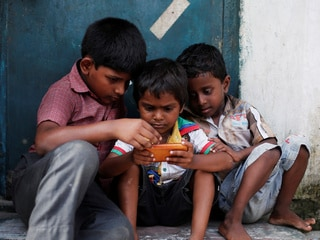 WHO Recommends 1-Hour Maximum Screen Time per Day for Kids Younger Than 5 Years