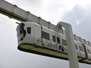 China's First New Energy Skywalk Train Rolls Off Production Line: Video