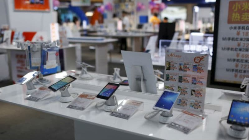 China Smartphone Shipments Decline 21 Percent, Xiaomi Sees Growth: Canalys