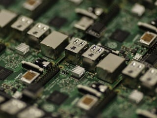 Researchers Develop New 'Microfluidics' Method to Make Cheaper Computer Chips