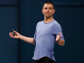 Facebook Product Chief Chris Cox, WhatsApp VP Chris Daniels to Depart