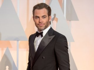 Chris Pine in Talks to Star in Dungeons & Dragons Movie: Reports