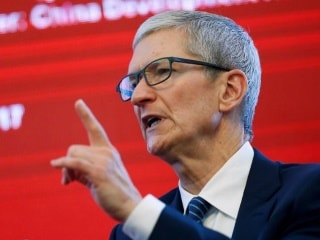 Apple Says Services Business Grows, CEO Cook Says China Tensions Ease