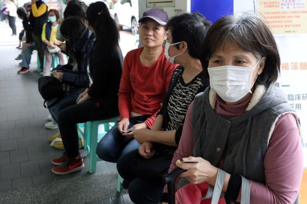 Virtual Volunteers Offer Help to Strangers Amid Coronavirus Stress
