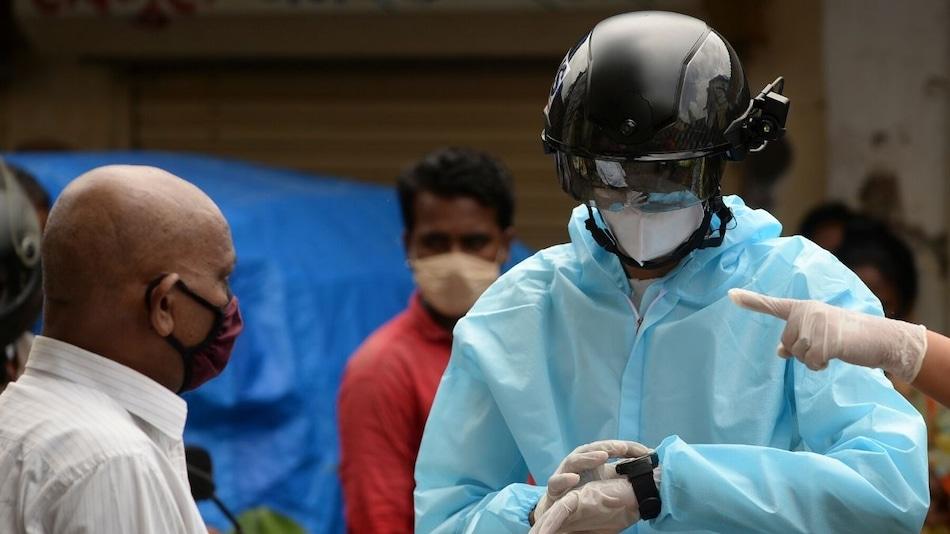 Mumbai Deploys 'Smart Helmets' to Screen for Coronavirus