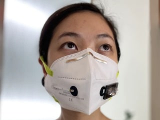 This Face Mask Tech Uses Biosensors to Detect COVID-19 in Your Breath Within 90 Minutes