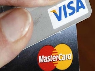 डेबिट व क्रेडिट कार्ड से 2,000 रुपये तक के भुगतान पर नहीं लगेगा सर्विस टैक्स