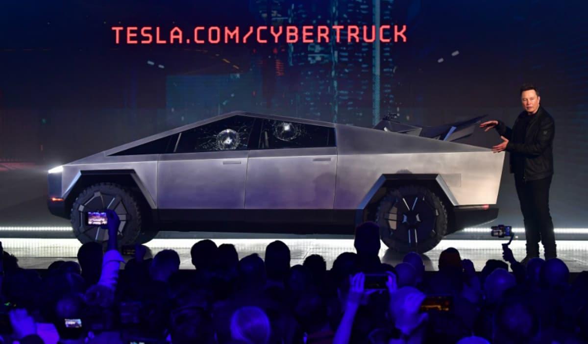 Tesla Suffers Broken Glass Mishap During Chaotic Cybertruck Launch