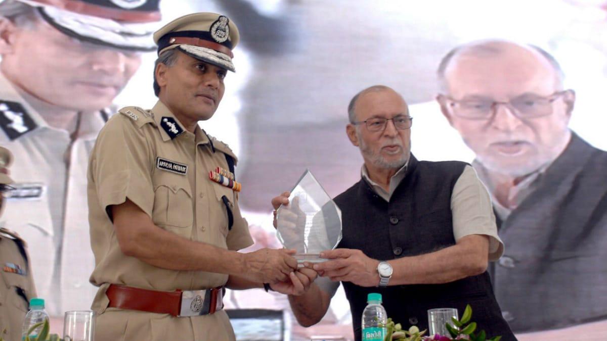 Delhi Lt. Governor Launches 'QR Code Scheme' Safety Feature for Commuters on Himmat Plus App