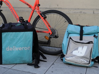 Amazon Deliveroo Investment Put on Hold by UK Regulator