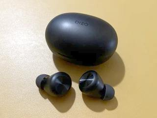 Realme Dizo GoPods D True Wireless Earphones Review: Affordable and Capable