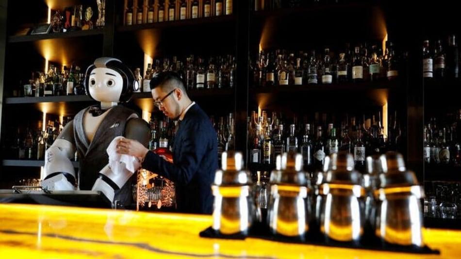 A Robot Walks Into a Bar, Helps Make a Cocktail
