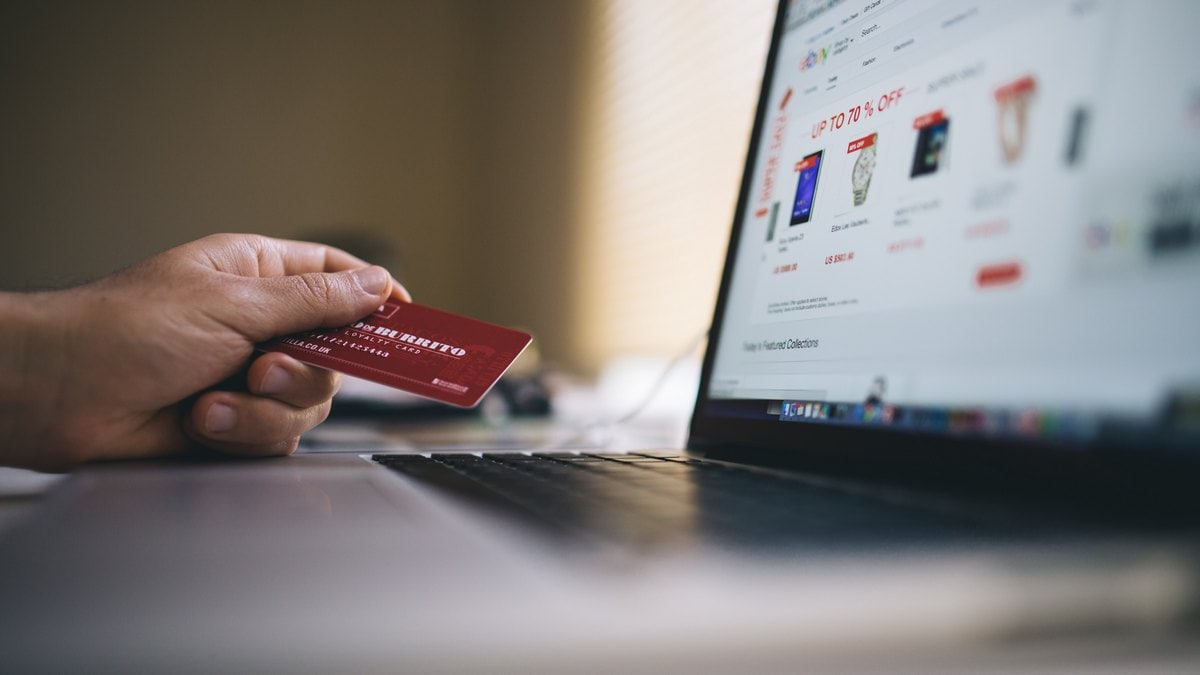 Holiday Season: 5 Ways to Protect Yourself as You Shop Online