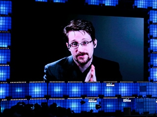Snowden Warns of Web Giants' 'Irresistible Power'