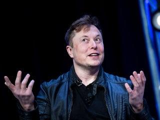 Elon Musk Dismisses Astronomy Concerns Over Starlink Network