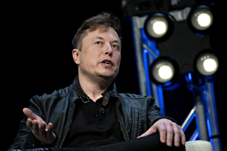 Elon Musk Offers 1,255 Free Ventilators From China