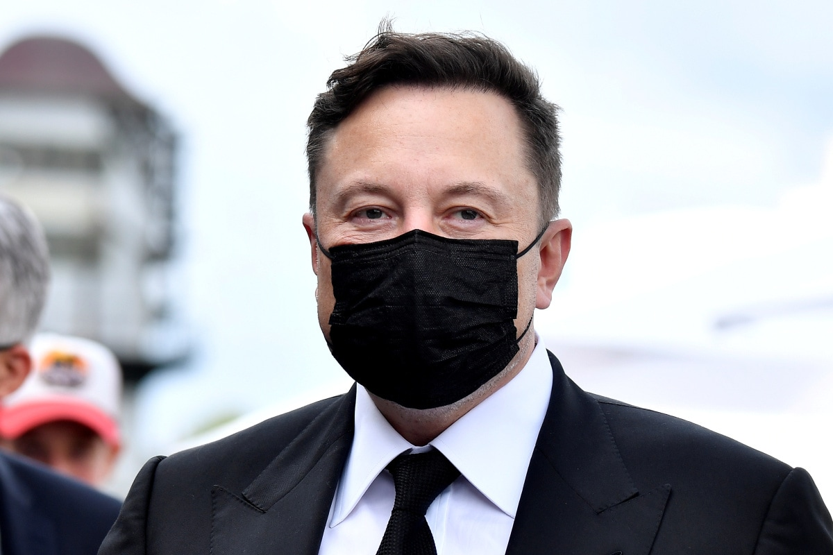 Image of article 'Elon Musk Had Offered Apple to Buy Tesla for Fraction of Current Value'