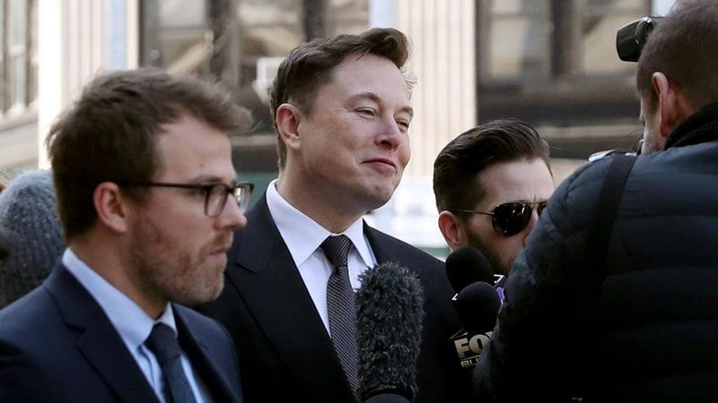 Elon Musk Calls Jeff Bezos 'Copycat' on Twitter