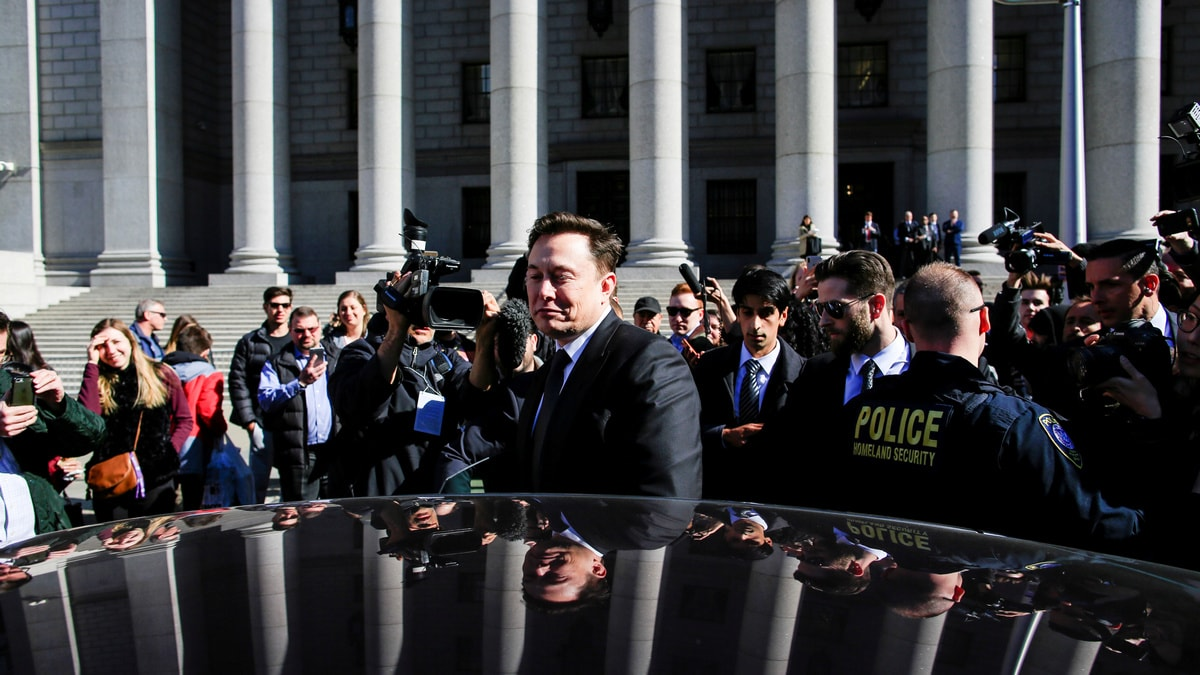 Tesla's Elon Musk, US SEC Get Another Week to Work Out Deal on