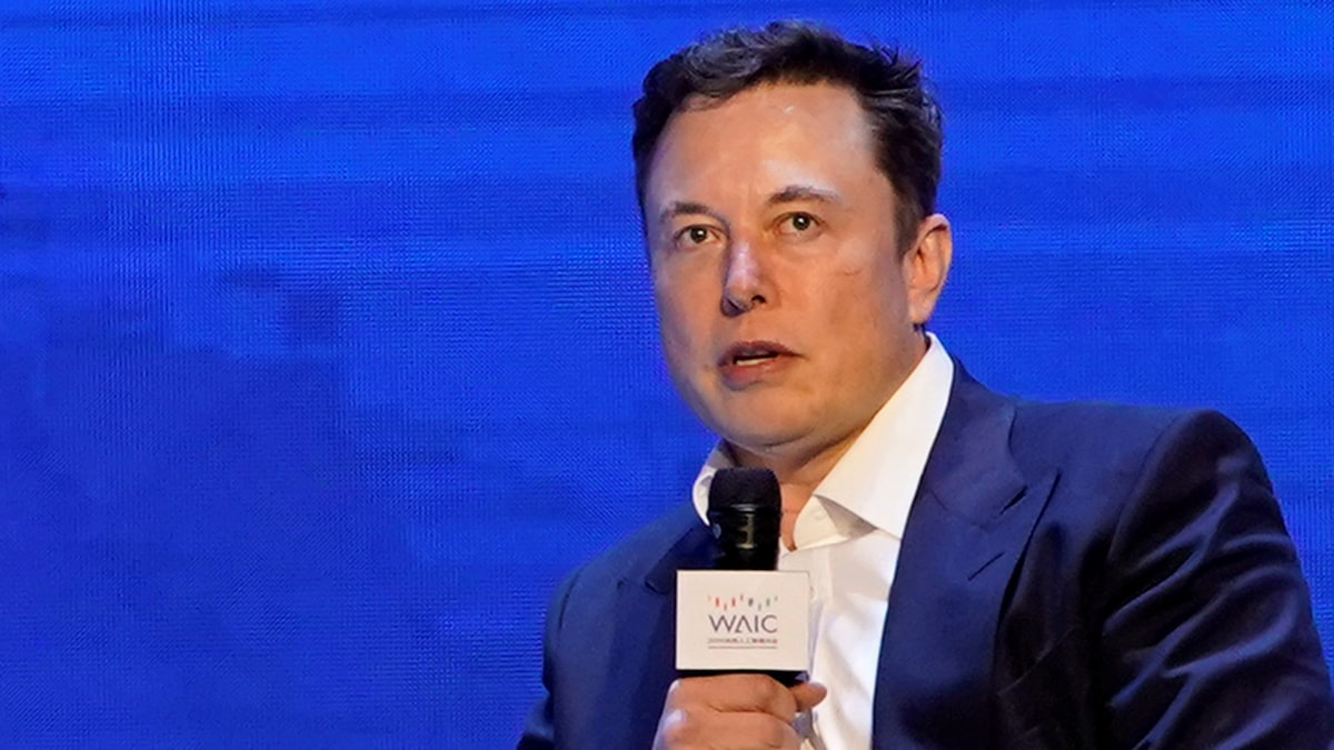 Elon Musk Taunts WhatsApp, Says the Platform Comes With Free Phone Hacking Risk