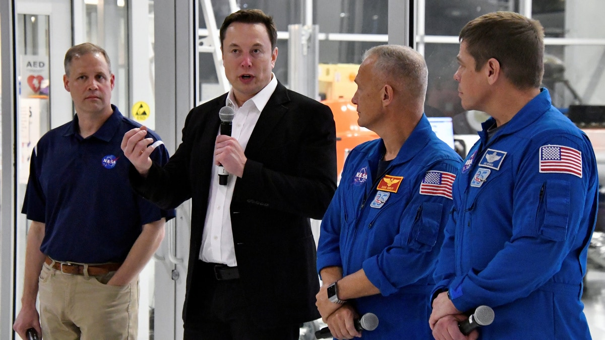 NASA Aims for First Manned SpaceX Mission in Q1 2020