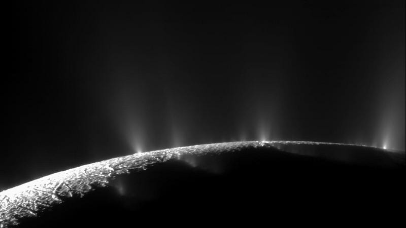 NASA's Cassini Probe Finds Complex Organic Molecules From Saturn Moon Enceladus