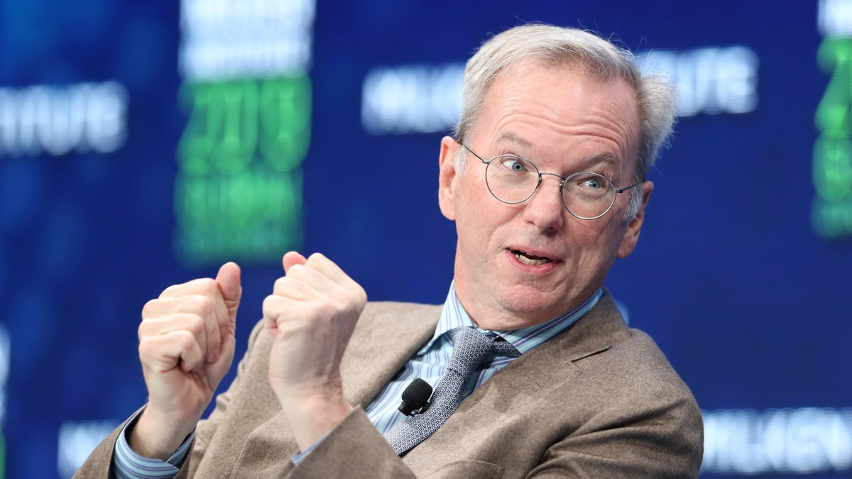 US Urged to Invest More in AI; Ex-Google CEO Warns of China's Progress