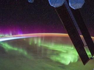 ESA Shares Stunning Photos of Aurora Lights Taken From International Space Station