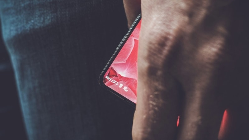 Essential's Bezel-Less Smartphone Runs Android, Confirms Eric Schmidt