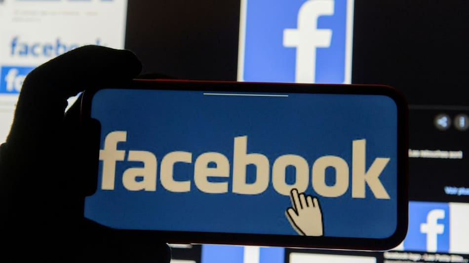 Facebook Sees Black Worker File Discrimination Complaint