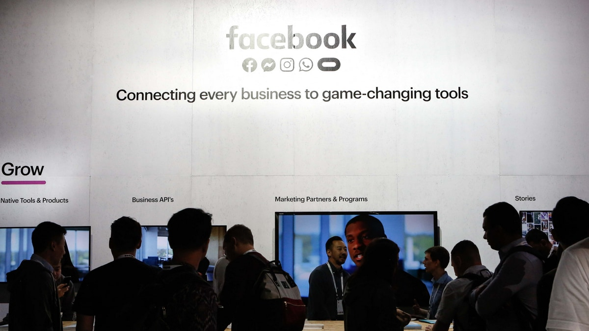 Facebook Workplace Tool Grows to 7 Million Subscribers as Jobs Go Remote