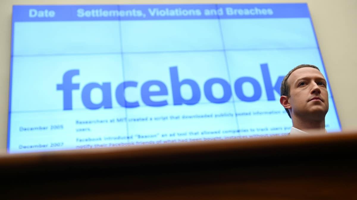 Facebook CEO Mark Zuckerberg and Social Network Writer Aaron Sorkin Argue Publicly