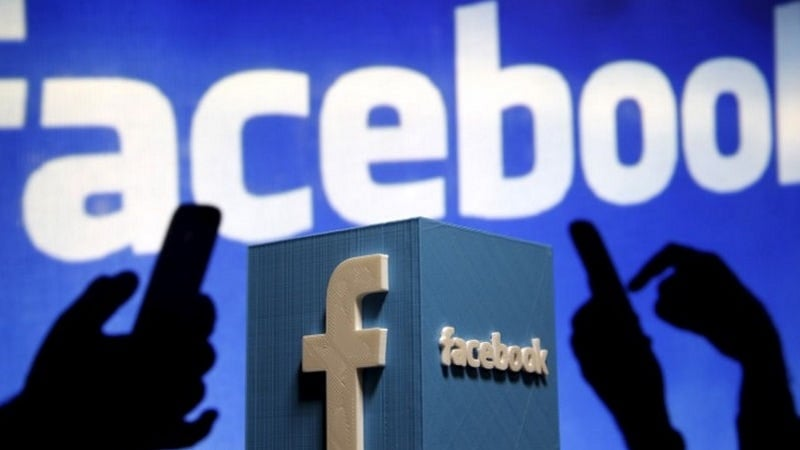 Facebook Looking to Boost Video by Buying Its Own Shows: Report
