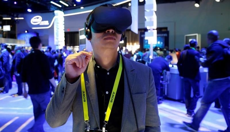 Oculus Rift Virtual Reality Headsets Back Online With New Software