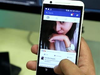 Facebook Bug Sees Old Photos, Posts Reappearing