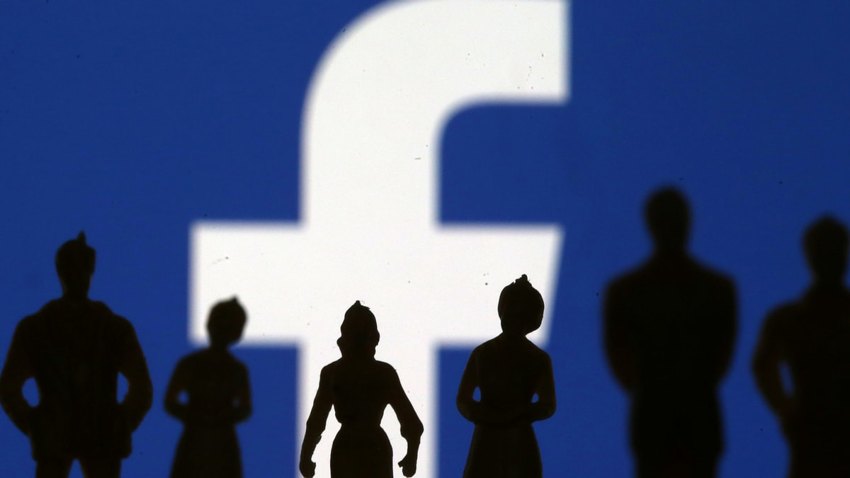 Facebook Glitches Allow Banned US Election Advertisements to Recirculate