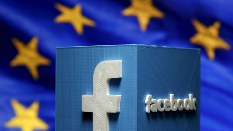 Facebook Is Said to Delay Home-Speaker Unveil Amid Data Crisis