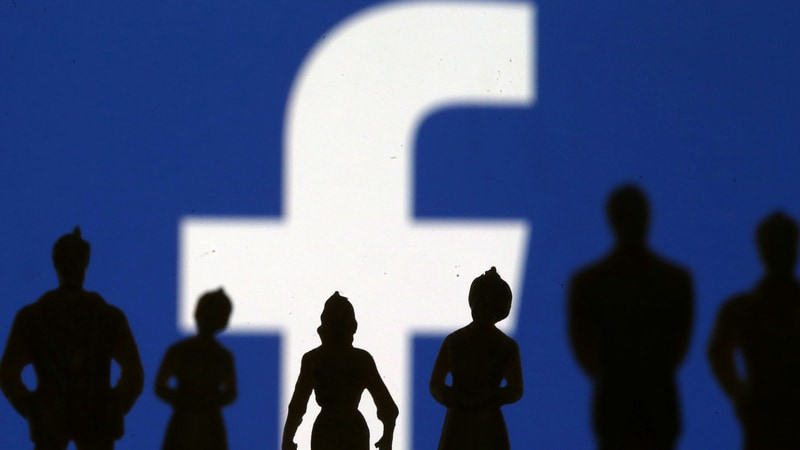 UK Proposes Banning Social Media 'Likes' for Children