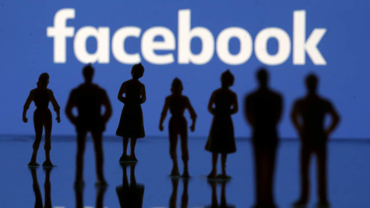 How Facebook Handles Speech in 'Secret' Groups