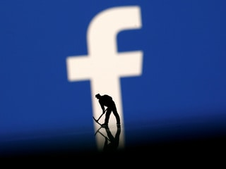 Breaking Up With Facebook? It's Harder Than It Looks