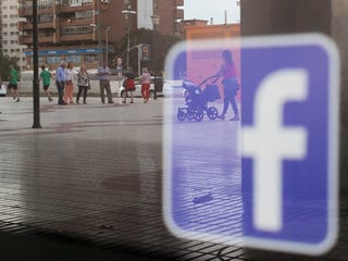 Facebook Confirms Data Sharing With Chinese Companies