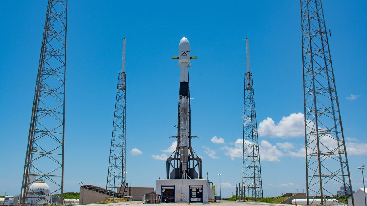 SpaceX Targets Late June for Falcon Heavy Launch