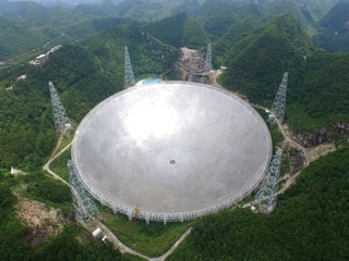 China's Giant Telescope Picks Up Mysterious Signals From Deep Space