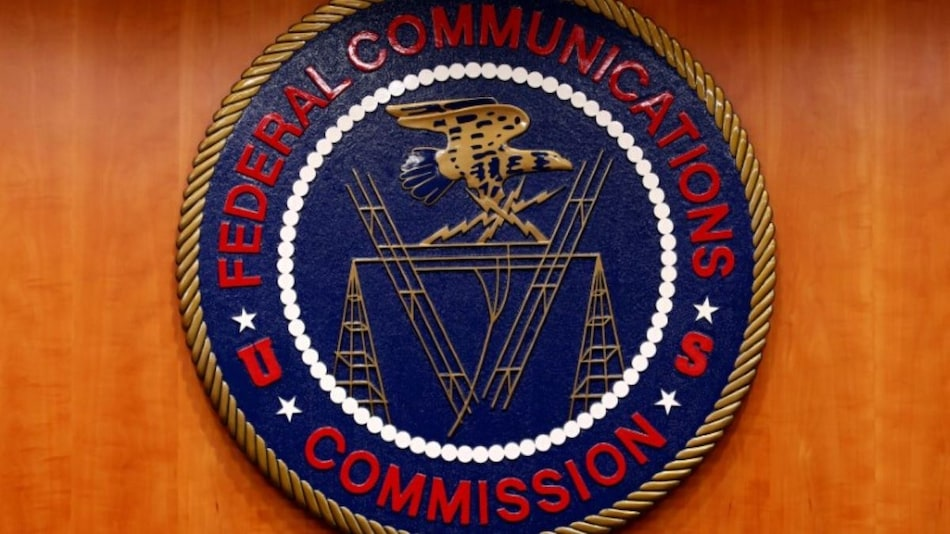 Chinese Telecom Firms Urge US FCC Not to Block Operations