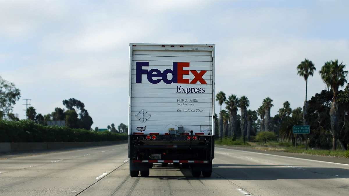 FedEx to End Ground-Delivery Deal With Amazon