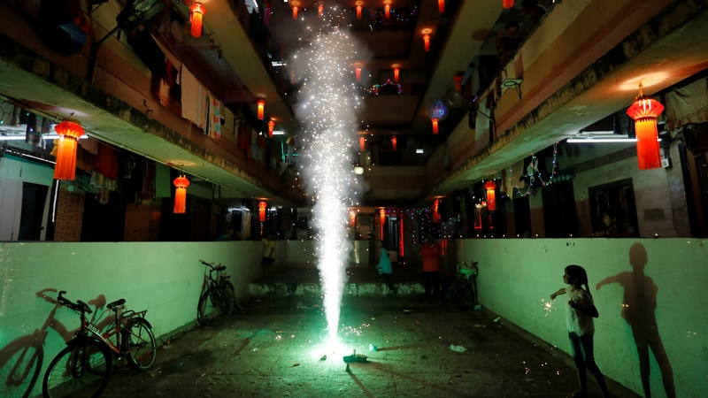 Supreme Court Restrains E-Commerce Sites From Selling Firecrackers Online